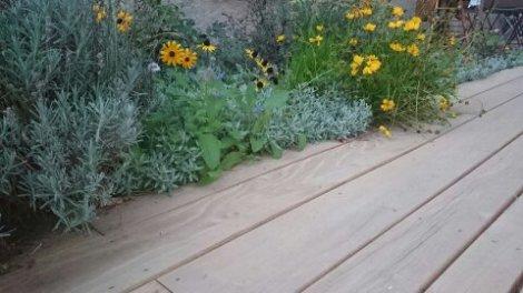 lames de terrasse acacia : 60 € HT/m²